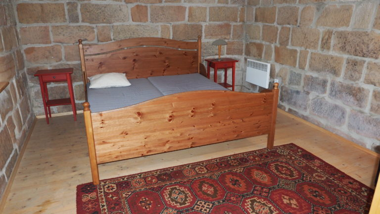Zvonek-double-bed-bedroom